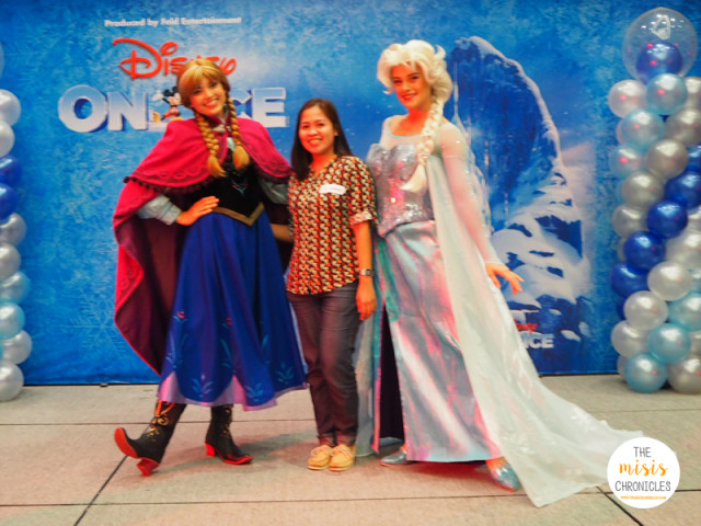 Watch Elsa and Anna at the Disney on Ice Magical Ice Festival 2015
